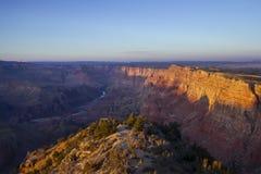 Grand- Canyonpanorama am Sonnenuntergang Stockfotos