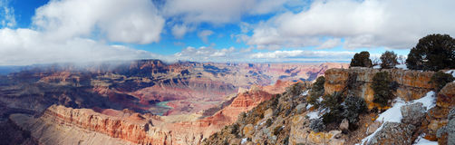 Grand Canyonpanoramaansicht in Winter mit Schnee Lizenzfreies Stockfoto