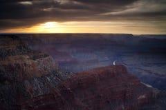 Grand Canyonsolnedgång arkivfoto