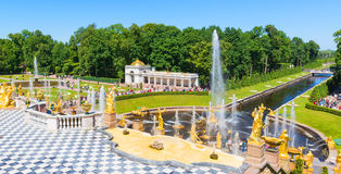 Grand Cascade and Sea Channel in Peterhof Palace, St Petersburg Royalty Free Stock Photos