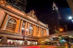 Grand Central längs den 42nd gatan på natten Royaltyfria Foton