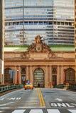 Grand Central -Terminal viaduc en oude ingang Stock Afbeeldingen