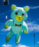 Grand cerf-volant d'ours de nounours Photographie stock