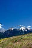 Grand ciel au-dessus des montagnes de mission Image stock
