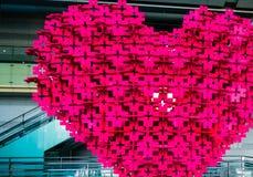 Grand coeur rouge des tuiles de verrouillage Photos stock