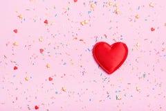 Grand coeur sur un fond de couleur Photographie stock libre de droits