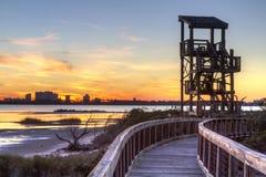 Grand coucher du soleil de tour d'observation de lagune photos stock