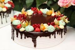 Grand, délicieux, beau gâteau Image libre de droits