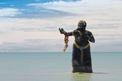 Grand démon de mer en mer photo libre de droits