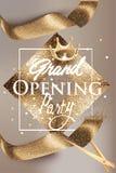 Grand die beige banner met gouden fonkelend lint en uitstekend kader openen royalty-vrije illustratie