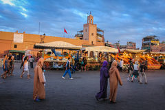 Grand dos d'EL Fna de Djemaa marrakech morocco images stock