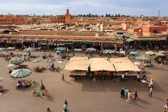 Grand dos d'EL Fna de Djemaa marrakech morocco Photographie stock