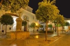 Grand dos de Plaza de la Iglesia, Marbella, Espagne Photographie stock