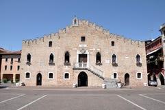 Grand dos principal de Portogruaro, Vénétie, Italie Image libre de droits