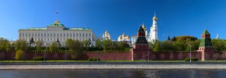 Grand dos rouge à Moscou Photographie stock