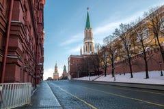 Grand dos rouge à Moscou, Russie Image libre de droits