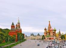 grand dos russe rouge de Moscou de fédération Photos libres de droits