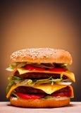 Grand double hamburger images libres de droits