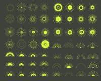 Grand ensemble de rétros formes d'éclat de Sun Logo de vintage, labels, insignes Images libres de droits
