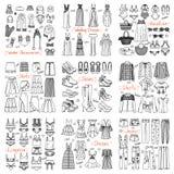 Grand ensemble de vêtements et d'accessoires tirés par la main de mode illustration libre de droits
