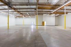 Grand entrepôt vide Image libre de droits