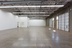 Grand entrepôt vide Photo stock