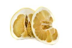 Grand et juteux fruit de Pamelo sur un fond blanc, sans agrume lumineux de couleur de fond photo libre de droits