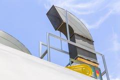 Grand flux d'air de tuyau de système de ventilation d'air de supermarché Photos libres de droits
