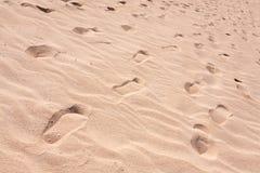Grand fond de sable avec des ondes Photographie stock libre de droits