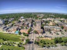 Grand Forks är en stor North Dakota stad på Redet River på genomskärningen av huvudväg 2 och mellanstatliga 29 en timmesöder av arkivbilder
