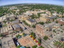 Grand Forks är en stor North Dakota stad på Redet River på genomskärningen av huvudväg 2 och mellanstatliga 29 en timmesöder av royaltyfri bild