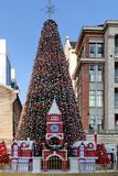 Grand grand arbre de Noël Photo libre de droits