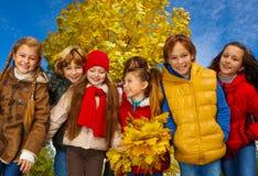 Grand groupe d'enfants Photos libres de droits