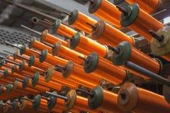 Grand groupe de cônes de fil de bobine Photographie stock libre de droits