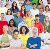 Grand groupe de personnes multi-ethniques photo stock
