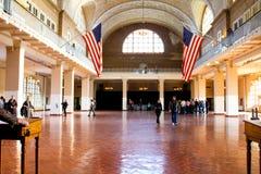 Grand hall à l'intérieur du centre de traitement sur Ellis Island photo libre de droits