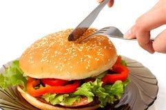 Grand hamburger un temps de repas de plaque Photo libre de droits