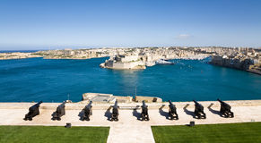 Grand harbour, Malta. The Saluting Battery with view on the Grand Harbour between La Valletta and La Vittoriosa, Malta Stock Photo