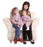 Grand-mère de famille et petite-fille deux heureux. Image stock