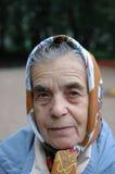 Grand-mère en stationnement. images libres de droits
