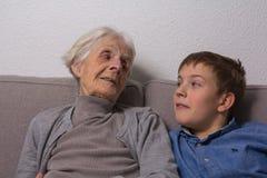Grand-mère et petit-fils Photographie stock