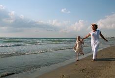 Grand-mère et petite-fille Photo stock
