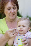 Grand-mère et sa petite-fille Photographie stock