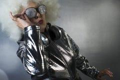 Grand-maman DJ photo libre de droits