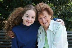 Grand-maman et petite-fille Photos libres de droits