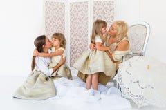 Grand-maman, mère et filles Images libres de droits