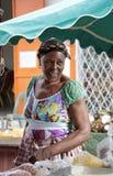 Grand marché de fruits et de légumes, Cayenne, Guyane française française, FOD images stock