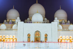 Grand Mosque in Abu Dhabi at night Stock Photos