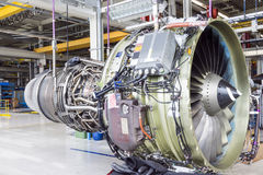 Grand moteur d'avion pendant l'entretien Photographie stock libre de droits