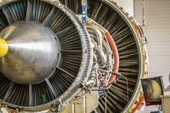 Grand moteur d'avion pendant l'entretien Photo stock